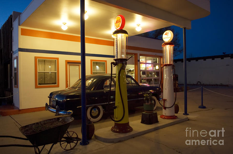 Route 66 garage at night photograph by bob christopher for Garage route 66 metz