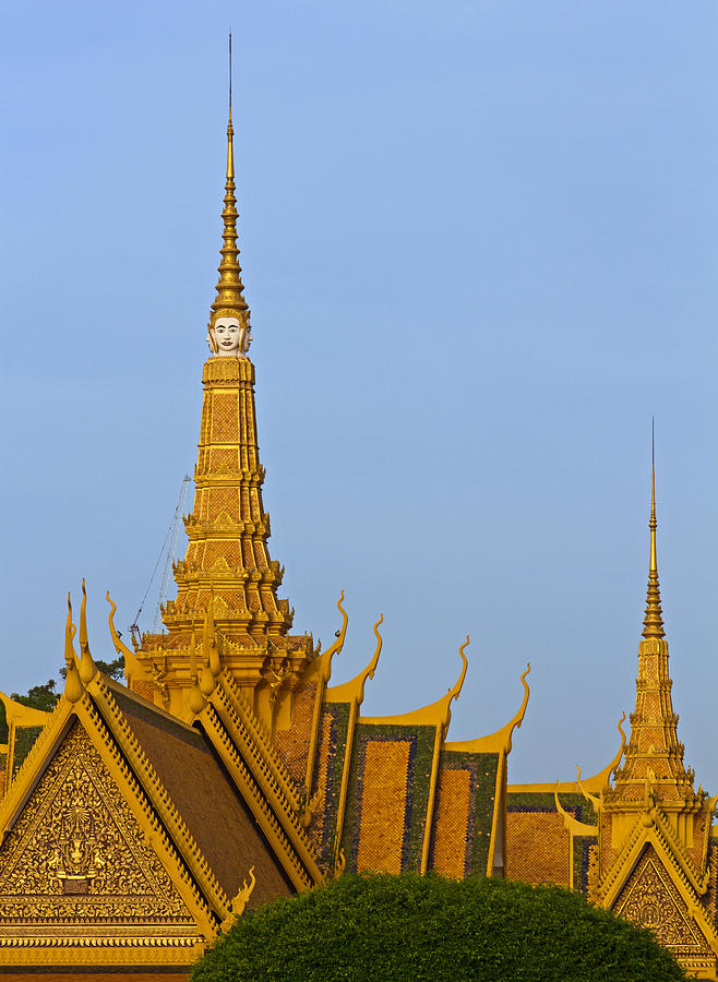 Asia Photograph - Royal Palace Roof. by David Freuthal