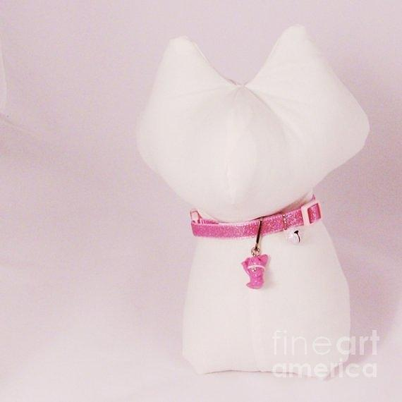 Safety Collar With Hand-sculpted Cat Charm In Dusty Pink Jewelry