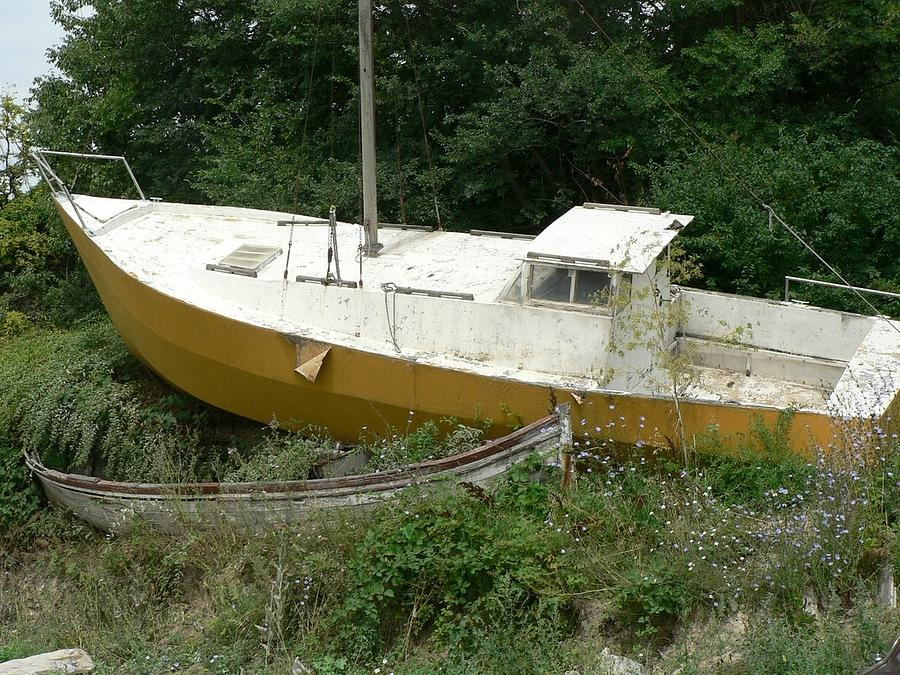 Sailboats Photograph - Sailboat Shipwrecked by Amanda Lenard