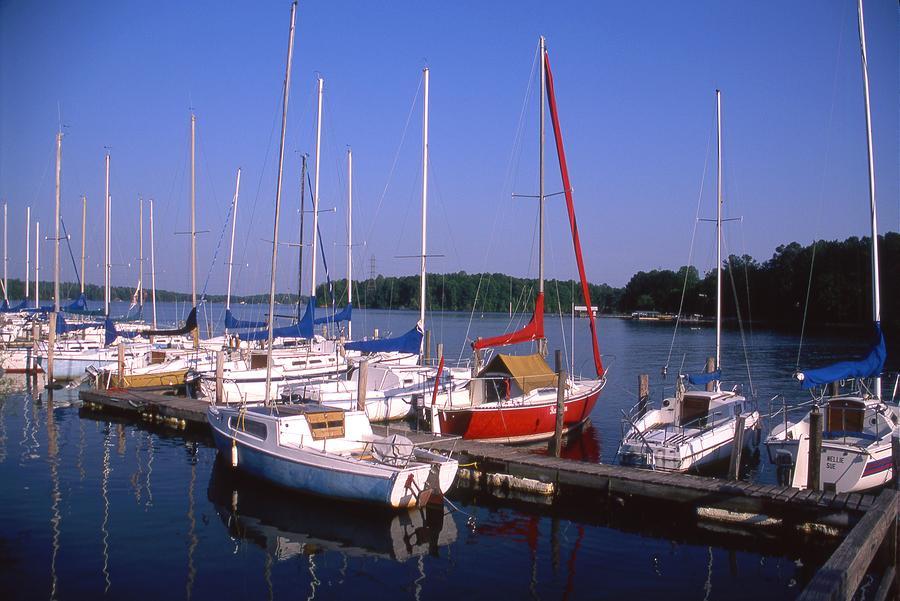 - sailboats-in-marina-george-ferrell