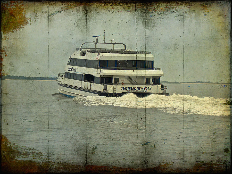 Seastreak catamaran ferry from atlantic highlands to nyc for Atlantic highlands nj fishing