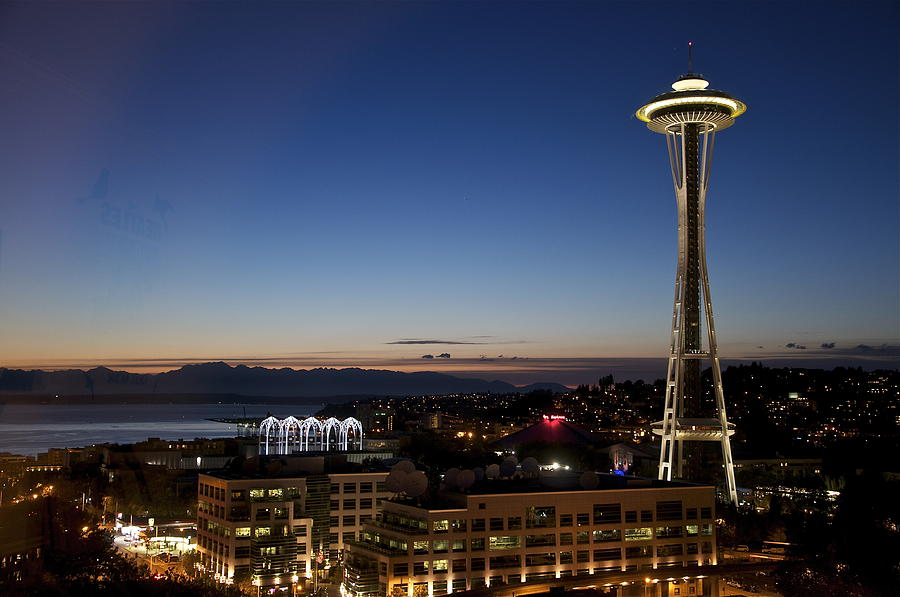 seattle space needle at twilight by kevin dyer