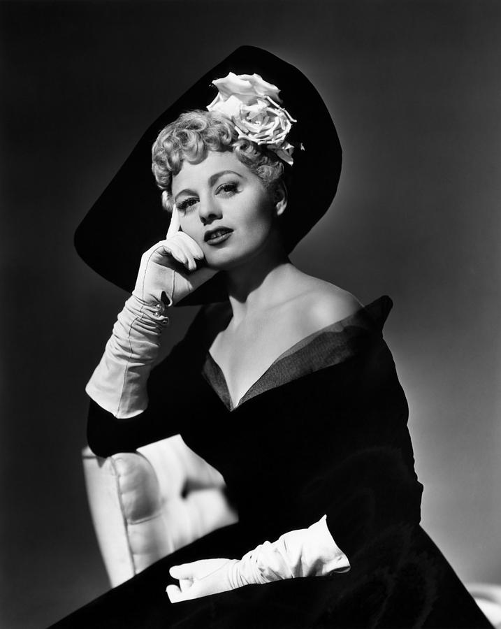 1940s Portraits Photograph - Shelley Winters, 1949 by Everett
