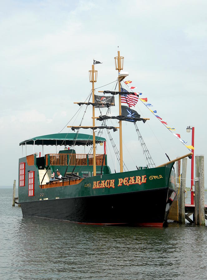 Ship 14 Photograph