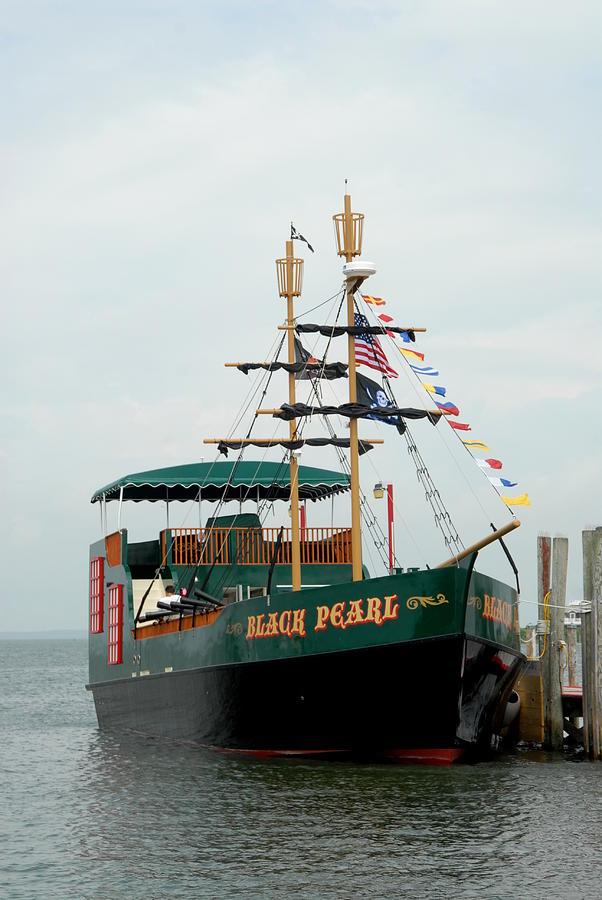 Ship 17 Photograph