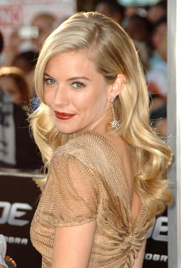 Sienna Miller Photograph - Sienna Miller At Arrivals For Screening by Everett