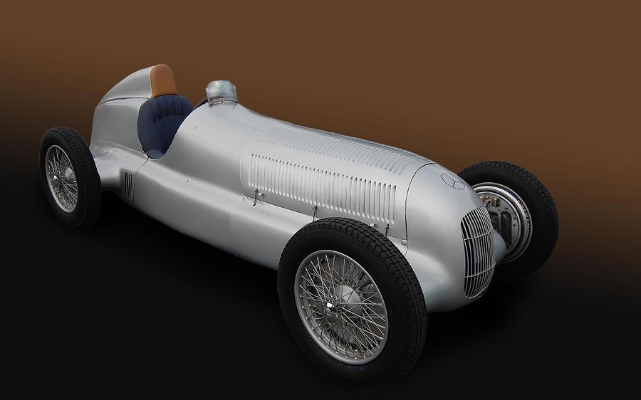 Mercedes Photograph - Silberpfeile by Bill Dutting