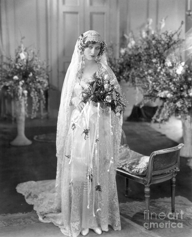 Silent Film: Wedding Photograph