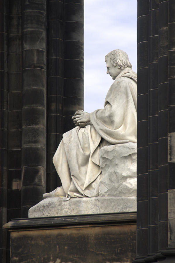 Sir Walter Scott Statue Photograph
