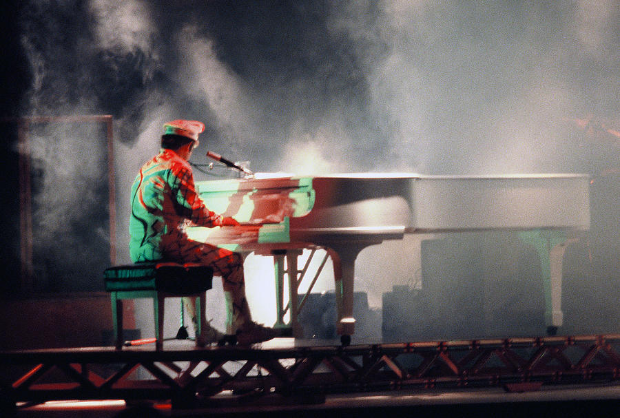 Smokin Elton Photograph