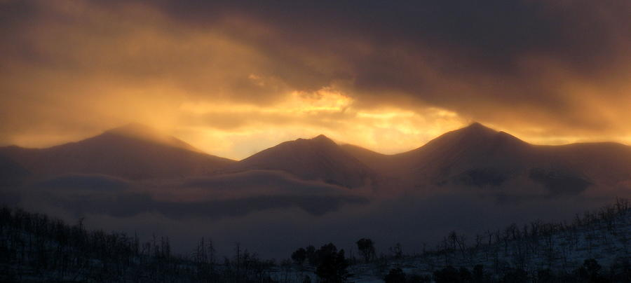 Snowy Sunset Over The Sangre De Cristo Mountains ...