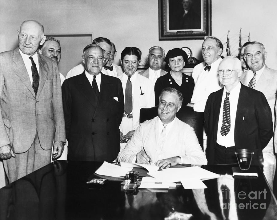 Social Security Act, 1935 Photograph