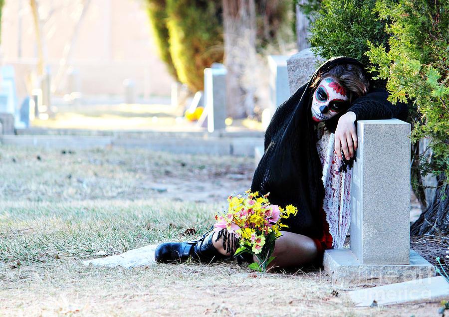 Sorrow - Dia De Los Muertos Photograph