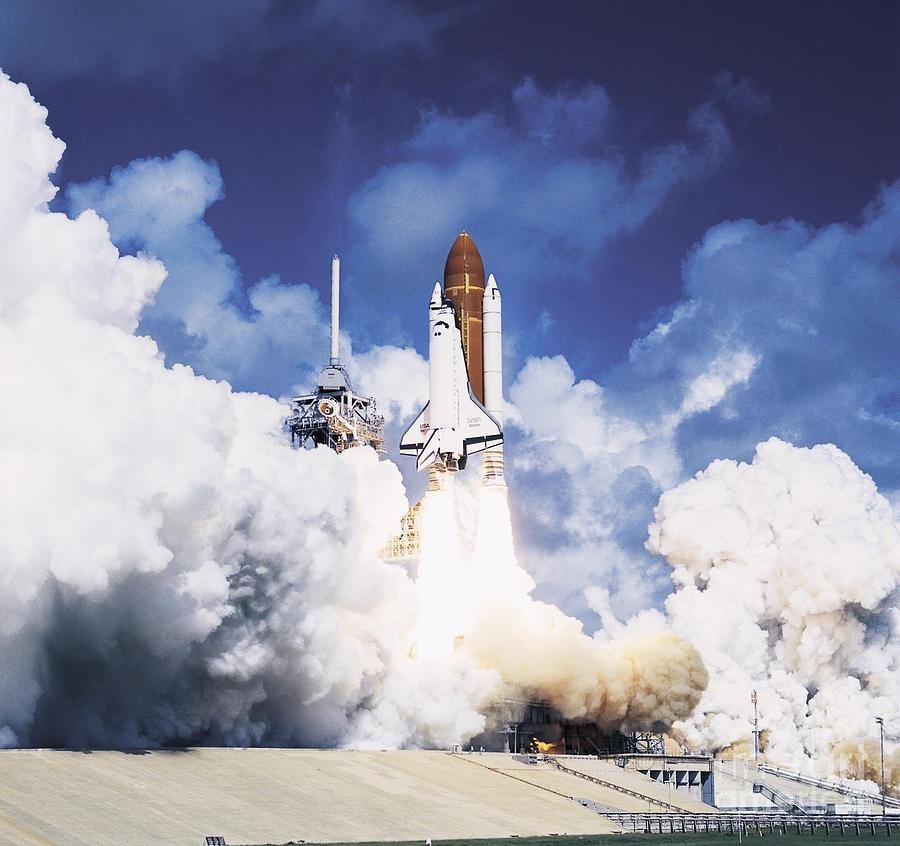 Space Shuttle Atlantis Photograph by Nasa