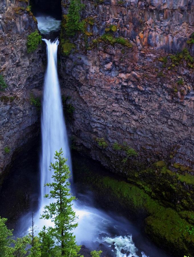 Spahats Falls Photograph