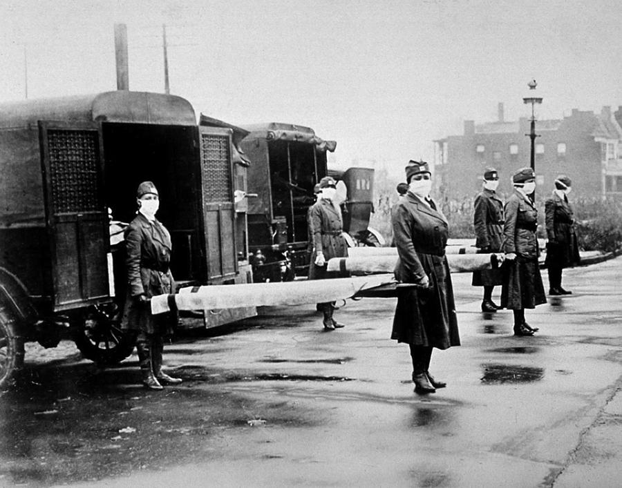 1918 influenza epidemic in america essay Surgeon general rupert blue, head of the us public health service, was aware  that an outbreak of flu was possible but in july 1918,.
