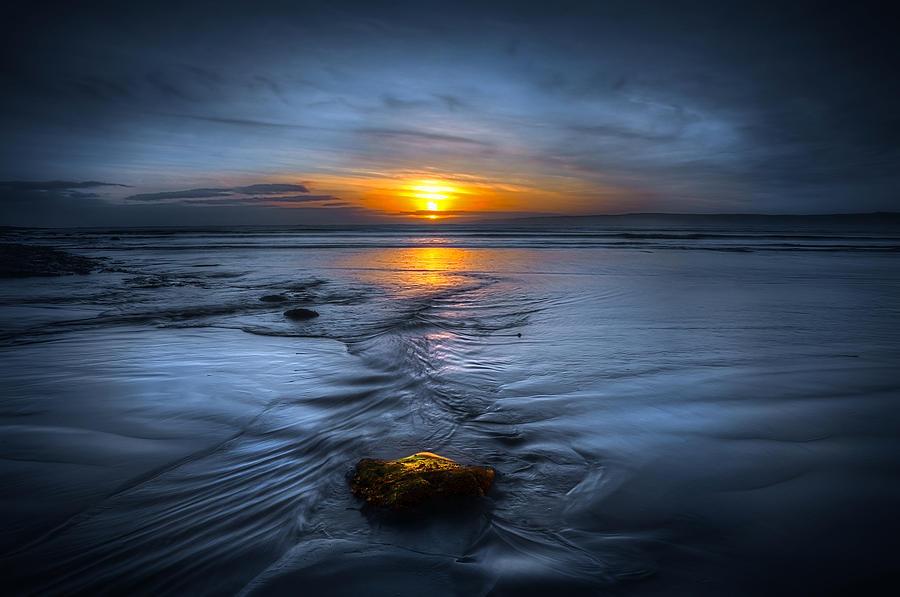 Bay Photograph - Spine Wave by Svetlana Sewell