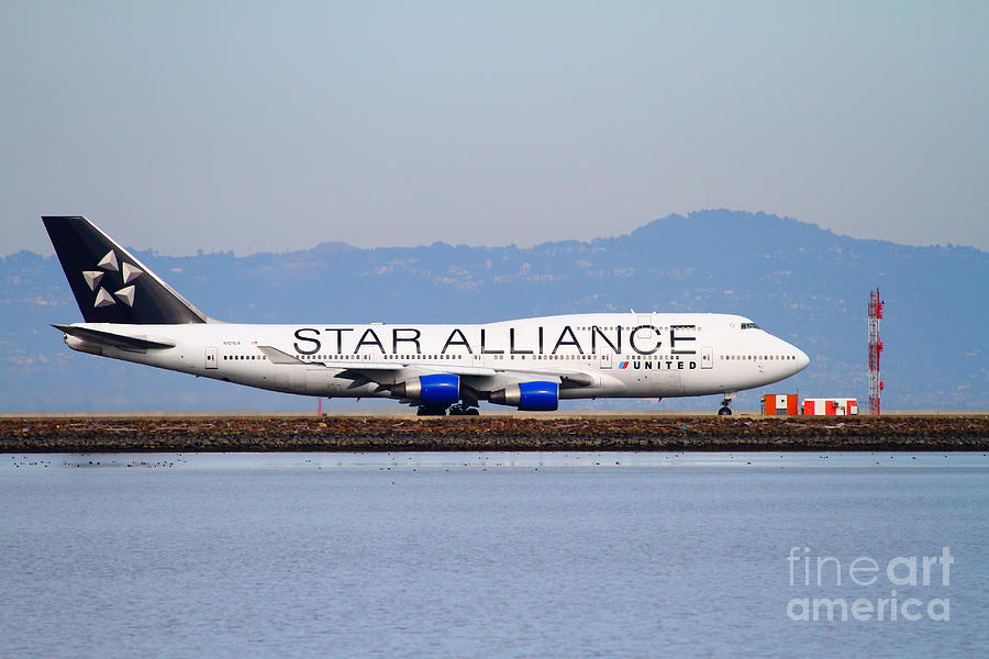Star Alliance Airlines Jet Airplane At San Francisco International Airport Sfo . 7d12199 Photograph  - Star Alliance Airlines Jet Airplane At San Francisco International Airport Sfo . 7d12199 Fine Art Print