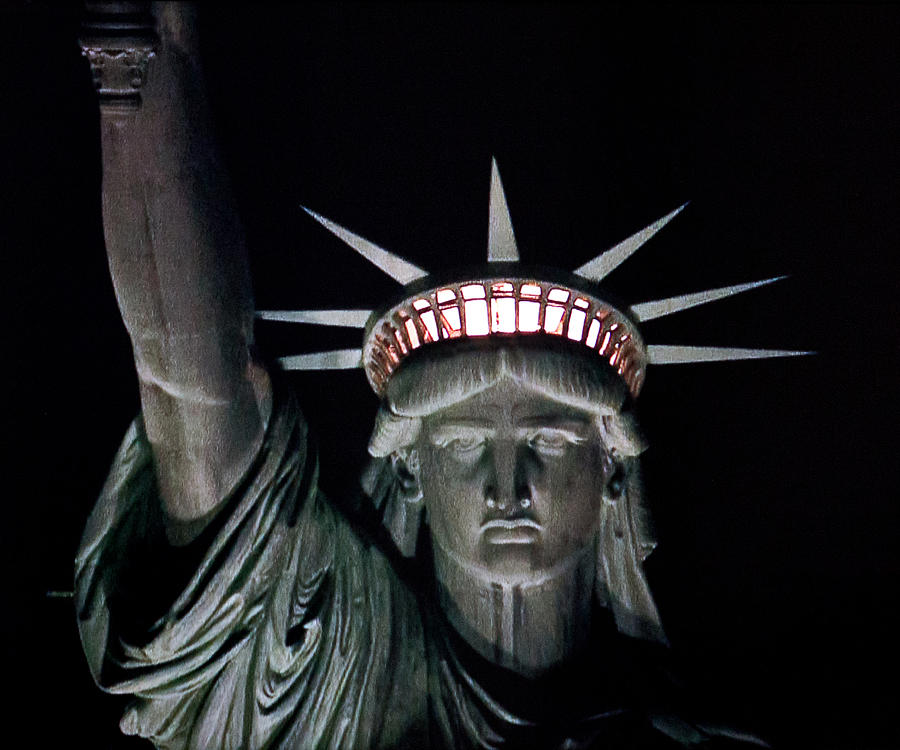Statue Of Liberty Photograph - Statue Of Liberty by David Pringle