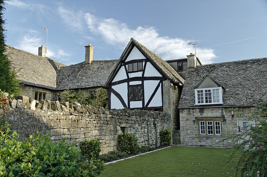 Stone Cottages In Broadway - Gloucestershire Photograph