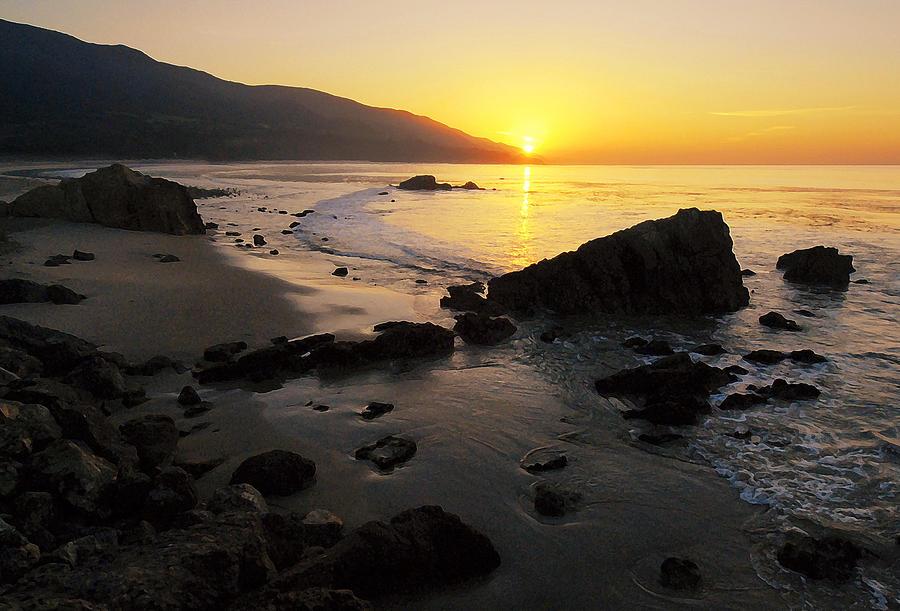 Sunrise Photograph - Sunrise At Leo by Ron Regalado