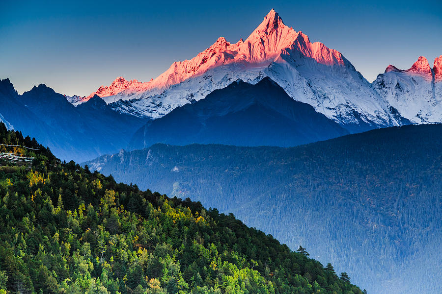Sunrise Over Mianzimu Peak, Meili Snow Mountain Photograph ...