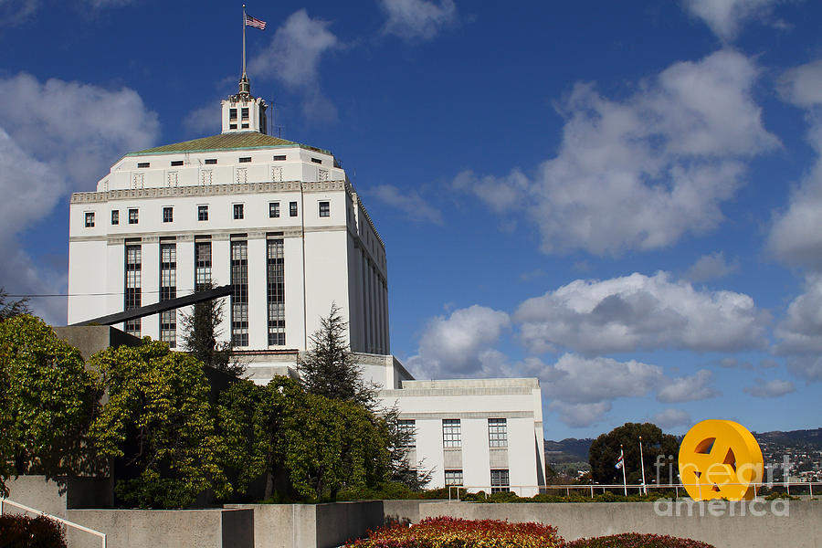 Supreme Court Of California . County Of Alameda . Oakland California View From Oakland Museum . 7d13 Photograph
