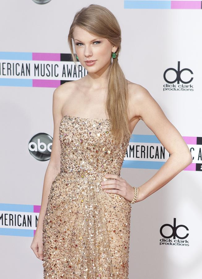Taylor Swift At Arrivals For The 38th Photograph