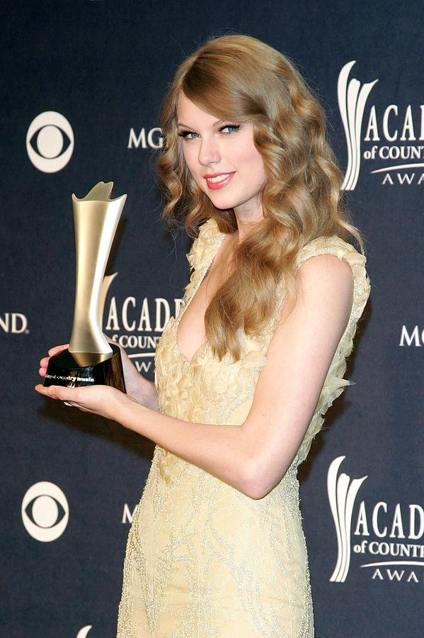 Taylor Swift, Entertainer Of The Year Photograph