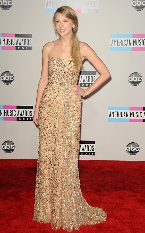 Taylor Swift Wearing A Reem Acra Gown Photograph  - Taylor Swift Wearing A Reem Acra Gown Fine Art Print