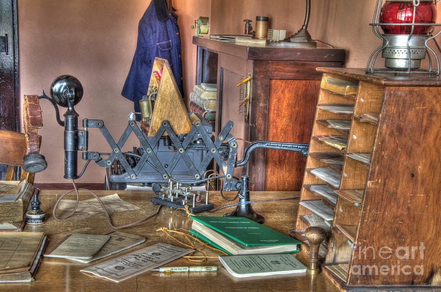 Telegraph Office Photograph - Telegraph Office At Kelso by Bob Christopher