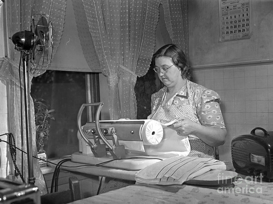1942 Photograph - Tennessee: Farm Wife, 1942 by Granger