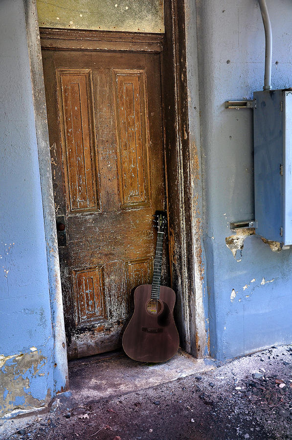 That Old Guitar Photograph  - That Old Guitar Fine Art Print