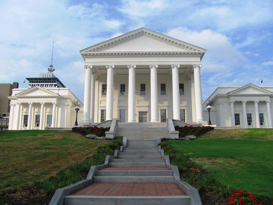 The Capitol Building In Richmond Virginia By Cindy Conoly