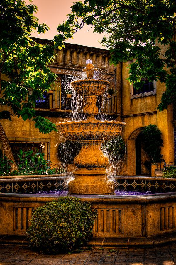 the-fountain-at-patio-del-norte-tlaquepaque-in-sedona-david-patterson.jpg