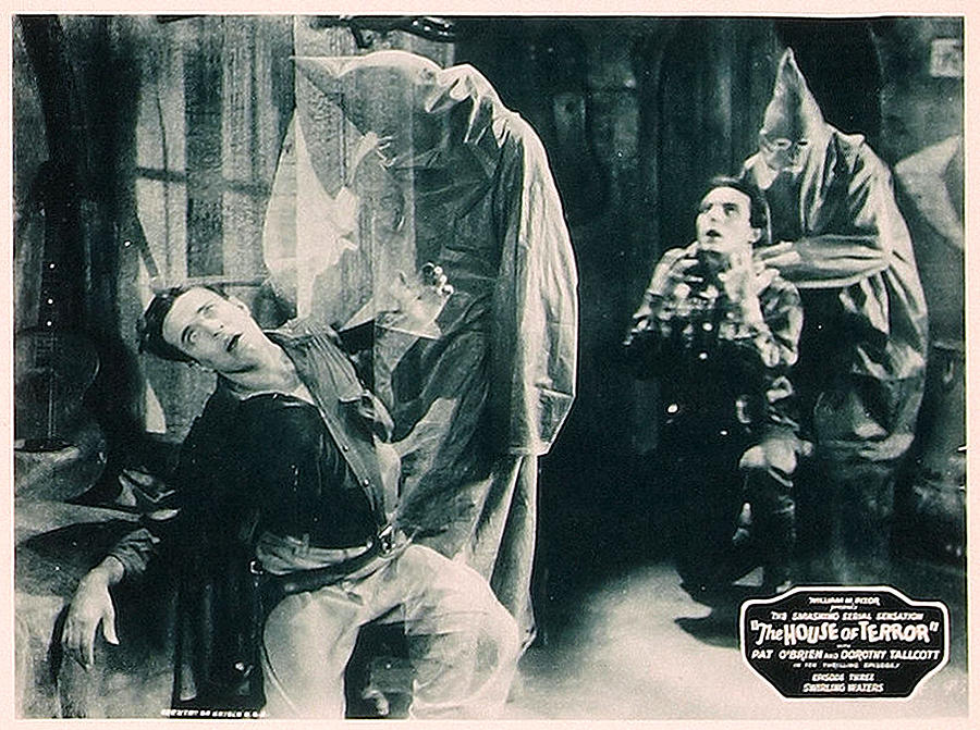 1920s Movies Photograph - The House Of Terror, Front Left Jack La by Everett