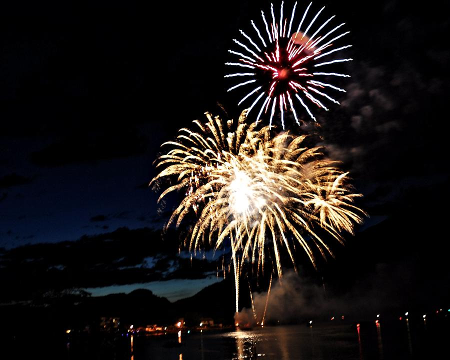 Fireworks Digital Art - The Star Wheel by Don Mann