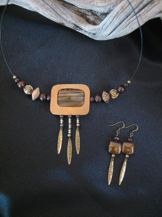 Tiger Eye With Drops Ch15 Jewelry