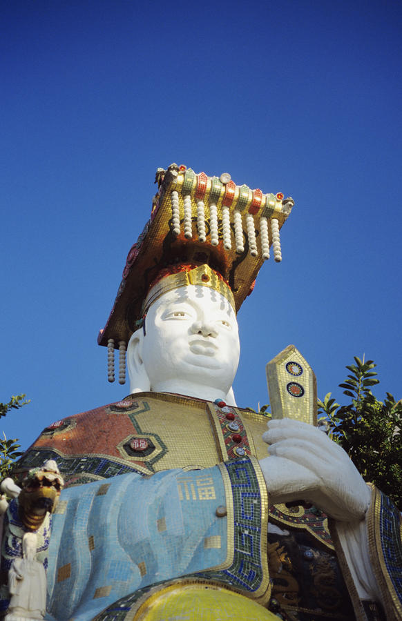 Tin Hua Temple Colorful Statue Photograph