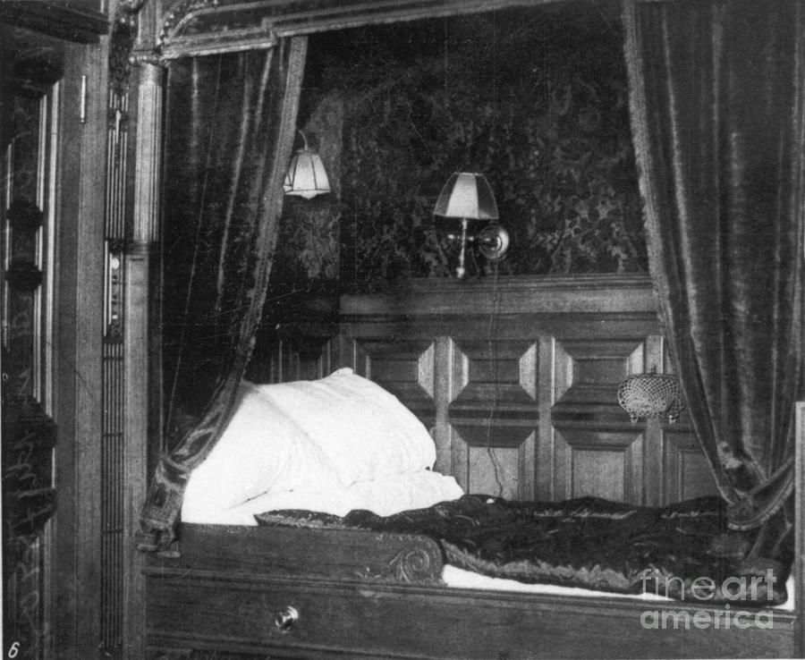Titanic: Suite, 1912 Photograph
