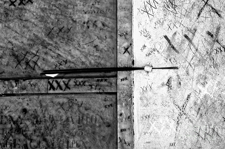Tomb Of Marie Laveau Voodoo Queen Of New Orleans Black And White Photograph
