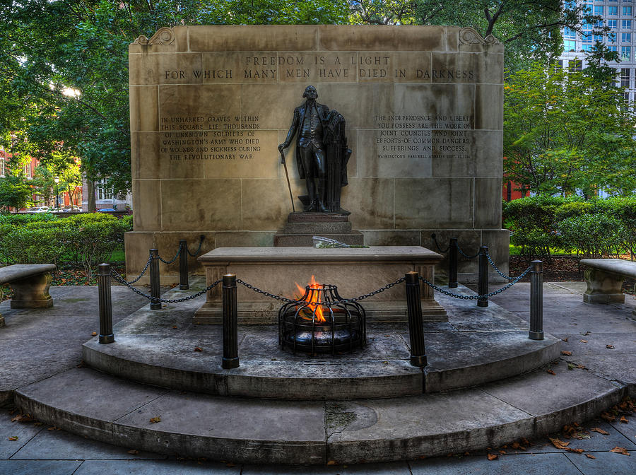 Lee Dos Santos Photograph - Tomb Of The Unknown Revolutionary War Soldier II - George Washington  by Lee Dos Santos