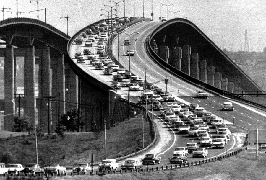 traffic on the garden state parkway photograph by everett