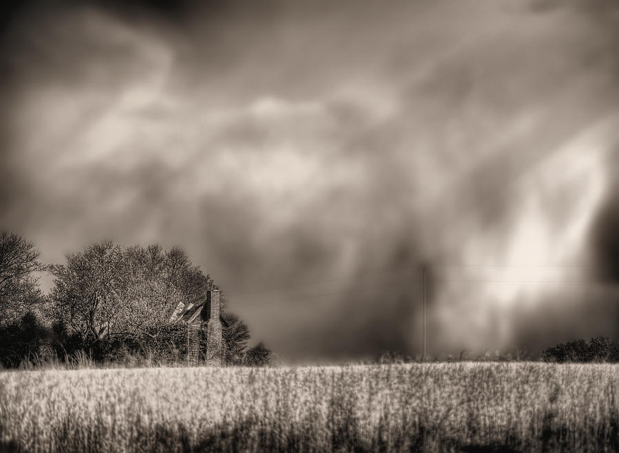 Fauquier County Virginia Photograph - Trouble Brewing Bw by JC Findley