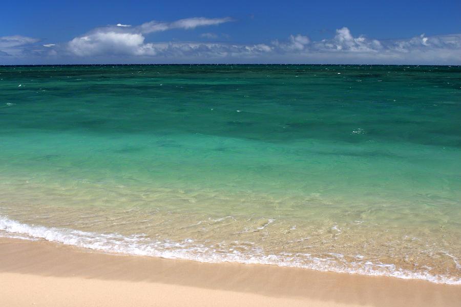 Turquoise Water Of Kanaha Beach Maui Hawaii Photograph