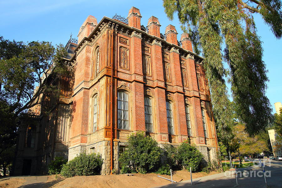 Uc Berkeley . South Hall . Oldest Building At Uc Berkeley . Built 1873 . 7d10113 Photograph