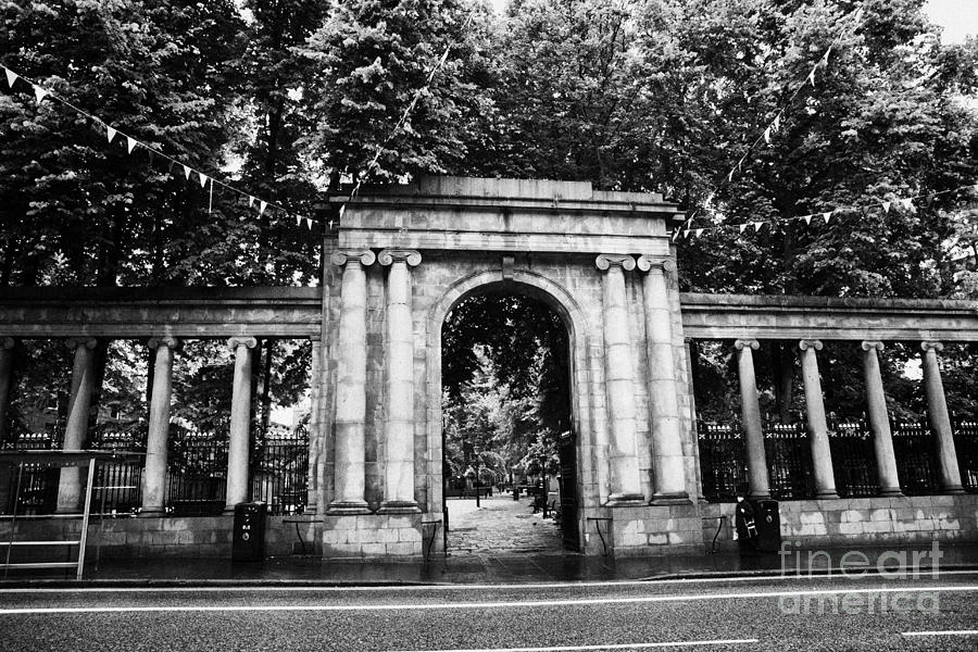 union street facade to the old kirkyard churchyard o the kirk of St Nicholas aberdeen scotland uk Photograph  - union street facade to the old kirkyard churchyard o the kirk of St Nicholas aberdeen scotland uk Fine Art Print