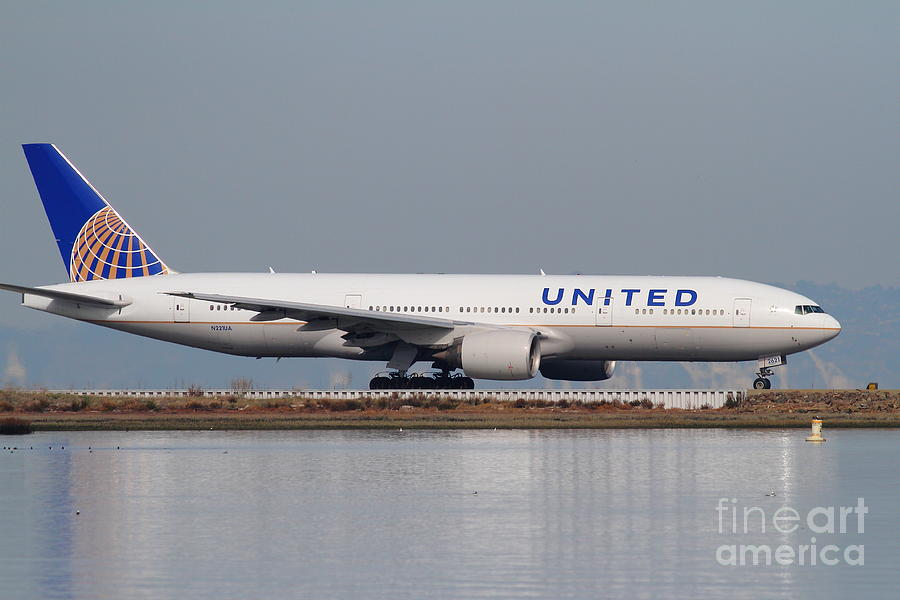 United Airlines Jet Airplane At San Francisco International Airport Sfo . 7d12079 Photograph