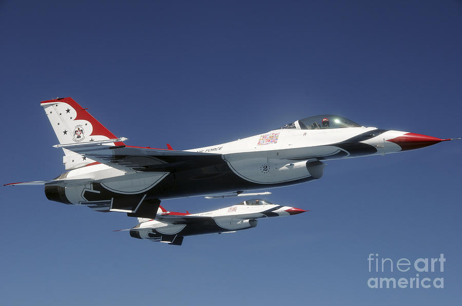 U.s. Air Force F-16 Thunderbirds Photograph